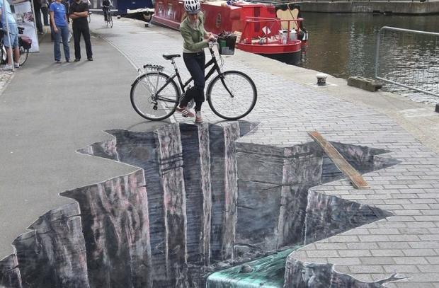 Sidewalk chalk art near Regent's Canal in London.
