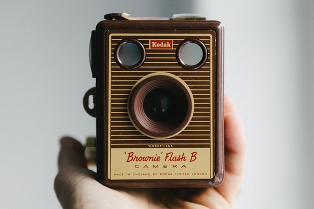 hand-taking-photo-photography-vintage